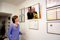 Марк уже мечтает о собственном офисе с такой же «стеной почета»