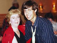 Марк Тишман с мамой Изольдой Михайловной. Из семейного архива
